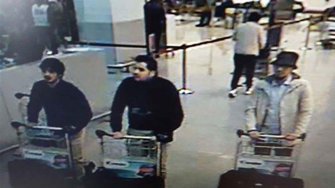 CCTV beelden van daders aanslagen 22 maart op luchthaven Zaventem. Van links naar rechts: Najim Laachraoui, Ibrahim El Bakraoui en Mohamed Abrini.